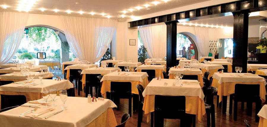 Hotel Piroscafo, Desenzano, Lake Garda, Italy - Restaurant.jpg